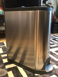 Simple human 40L butterfly kitchen garbage can New York, 11215