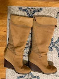 Ugg wedge boots suede 7