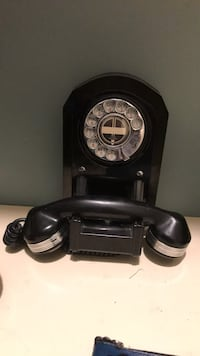 Antique telephone. Still works Edmonton, T5T 5N2