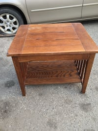 End table Edmonton, T5Y 4M2