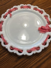 White and red ceramic plate Chesterfield, 63017