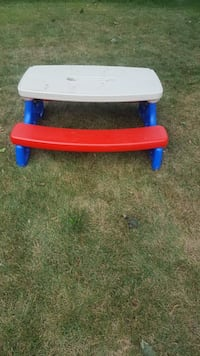 Little tikes picnic table Toronto, M9C