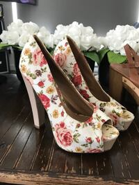 3 fabulous high heels!!! Really beautiful and in great condition - size 7 Burnaby, V5G