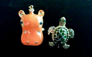 Betsey Johnson Animal Rings sz7