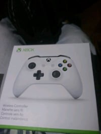 white Xbox 360 controller in box Lilburn, 30047