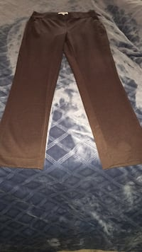 Chocolate straight leg stretch pants size M Brandywine, 20613