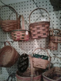brown wicker basket lot Kearneysville, 25430