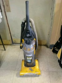 Eureka Bagless Vaccum Cleaner for Sale.