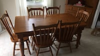 Kitchen table,chairs and hutch Halton Hills