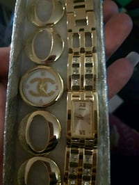 Womens gold plated watches  Dartmouth, B3A 3Y4