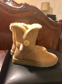 UGG Boots - Like new! Gainesville, 20155