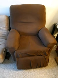 free lazy boy recliner  Kitchener, N2C 2J9
