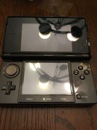Black 3ds no stylus with charger Alexandria, 22315