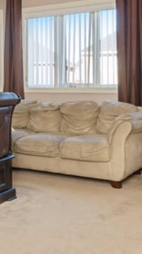 Beige 3-seat sofa Cambridge, N1T 0C1
