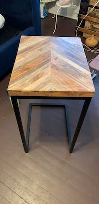 Rustic Chevron Side Table Washington, 20011