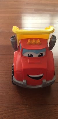 toddler's yellow and red ride on toy car Woodbridge, 22191