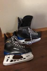Boys sz 6 Bauer supreme hockey skates in new condition Edmonton, T6L 6X6