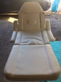 Adjustable, Cream Massage Table - excellent condition Toronto