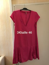 rouge col v profond robe à manches courtes
