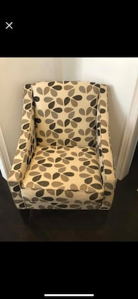 Modern Arm chair 563 km