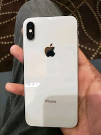 Iphone X, White, Mint condition with no scratches  Coquitlam, V3B 5R5