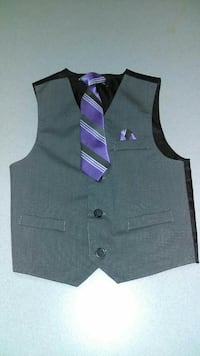 BOYS SIZE 4 VEST & TIE AND SEWN IN HANDKERCHEIF Naperville, 60563