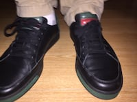 GUCCI MEN'S LEATHER LOWTOP SNEAKERS BLACK RED GREEN SIZE 10.5 (WORN 1X, EXCELLENT) Glendale, 91203