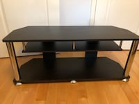 Tv stand with middle shelf Richmond Hill, L4B 4P5