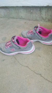 pair of gray-and-pink Nike running shoes Odessa, 79764