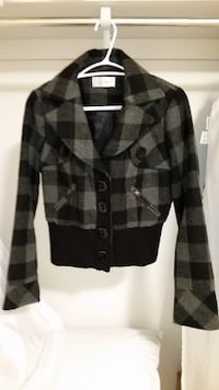 black and gray plaid button-up coat 556 km