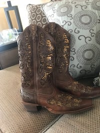 Pair of brown leather cowgirl boots 8.5 North East, 21901