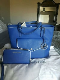 Micheal Kors tote and matching wallet Peyton, 80831