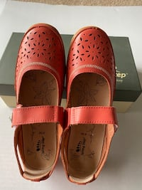 Spring step Mary Jane shoes coral 9.5-10 M McLean, 22102