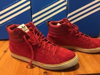 pair of red Nike high-top sneakers Toronto, M5R 3H8