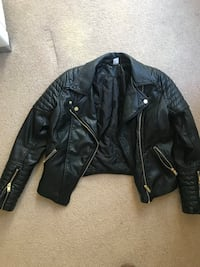 H&M very good condition jacket  size S Port Moody, V3H 3M6