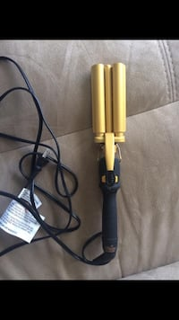 Triple barrel curling iron  Kitchener, N2A 4C4