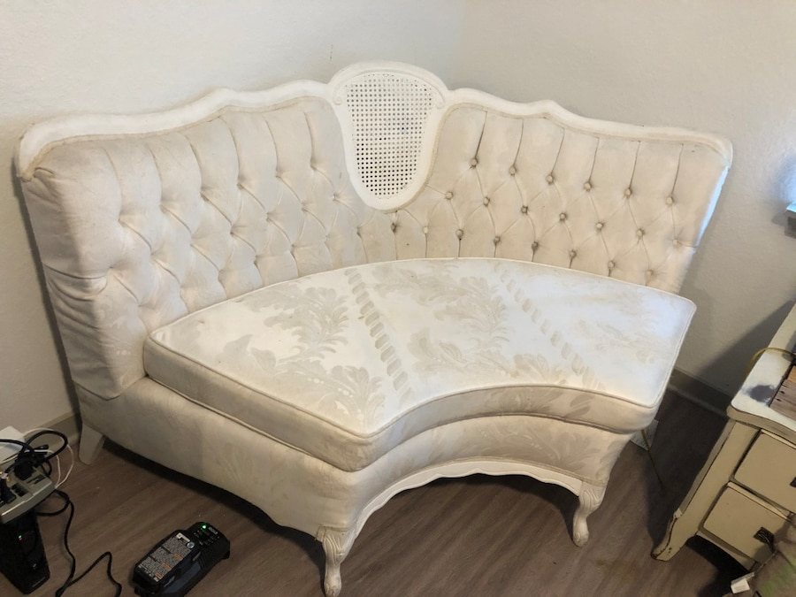 Photo Victorian/European style lounge chair