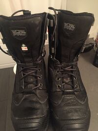 Like new steel toed work boots size 10.5 Port Coquitlam, V3C 2B5