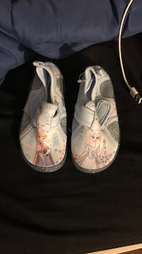 pair of white-and-pink sandals Allentown, 18104