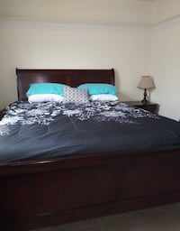 Fairly new Queen bedroom set (YES ITS STILL AVAILABLE) Woodbridge, 22192