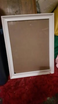 4 White wood picture frames