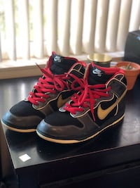 Nike men's dunk sb Marshall amp size 10 Vallejo, 94589