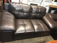 2 piece brown leather couch set Hampton, 23661