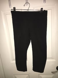 Cropped black leggings  Central Okanagan