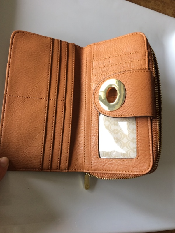 Wallet brand new carmel coloured faux leather  with gold accents 463785e1-66cb-4e99-ba09-0cce0e469d29