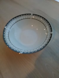 "Farberware Ardsley 9"" Serving Bowl #485. Great Shape No Chips. Pick up in North Hagerstown MD Orchard Hills"