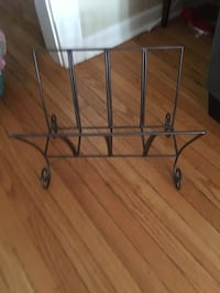 Pier One magazine rack Frederick, 21701
