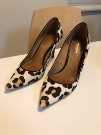 Coach Heels Size 6 Shoes Leopard Print  Winnipeg, R3L