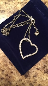 Swarovski heart neckless FEB14!