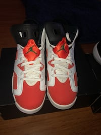 pair of red Air Jordan 6's New Carrollton, 20706